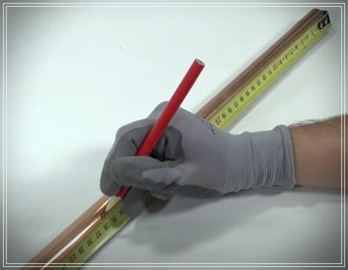 ¿Cómo hacer un perchero con tuberías de cobre?